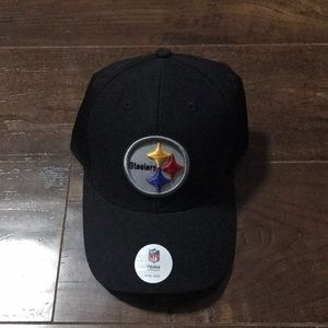 NFL Accessories - NFL Pittsburg Steelers Football Embroidered Hat